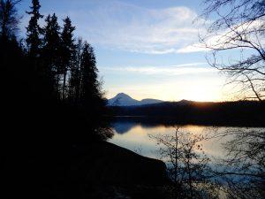 mountain view on the lake walk