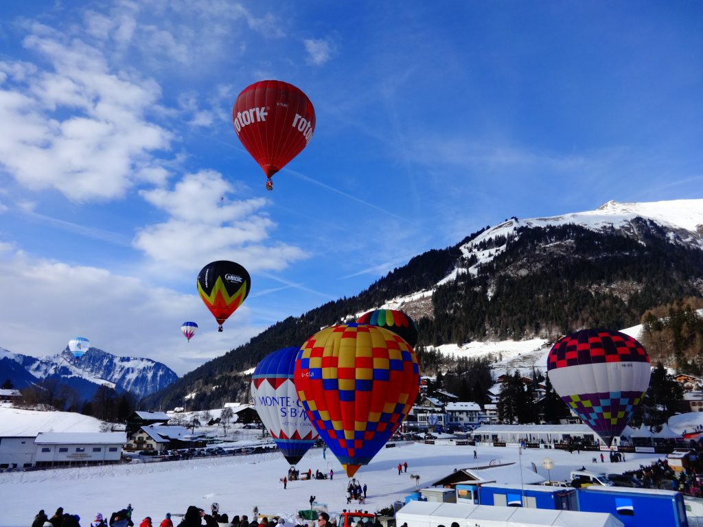 balloons in mountains